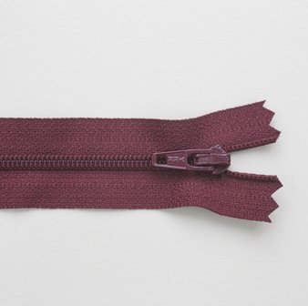 Regular Zip Wine Red 55cm