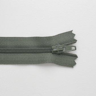 Regular Zip Khaki 20cm