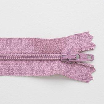 Regular Zip Dusky Pink 20cm