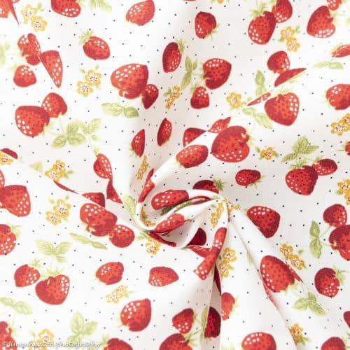 Cotton Poplin Dress Fabric 112cm - Strawberries